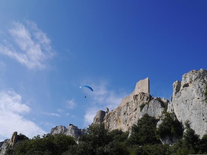 Pays cathare Château Peyrpertuse et parapente