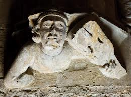 Détail sculpture musicien médiévale