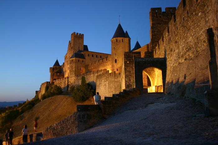 Sentiers cathares et ses châteaux proche du camping