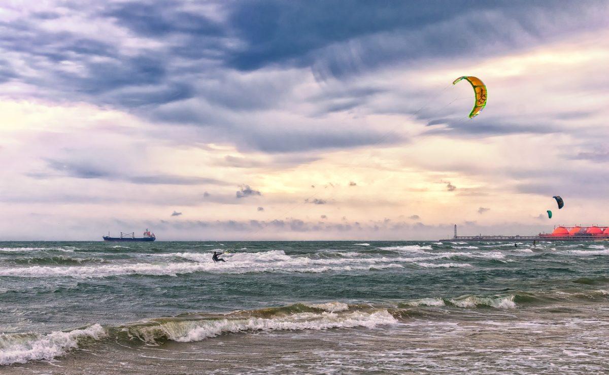 Mer Méditerranée et kite surf