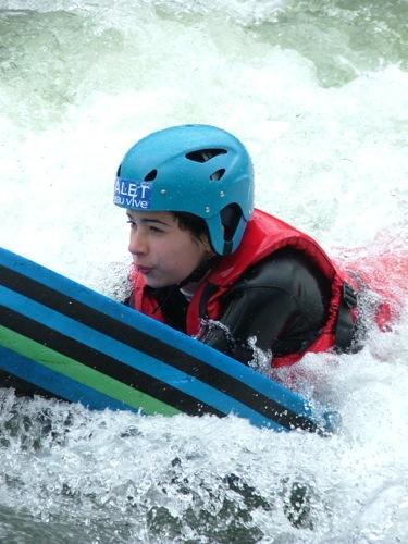 activité familial sport en eaux vives