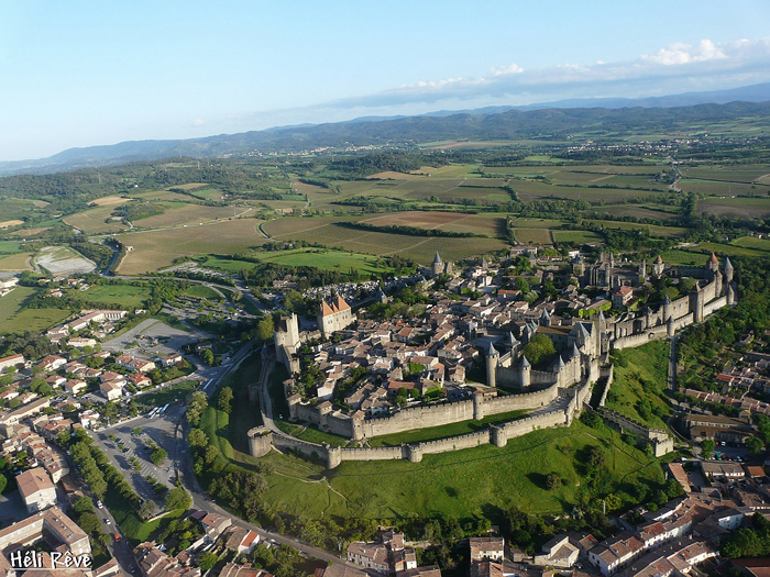 La cité de Carcassonne au départ de votre mobil-home