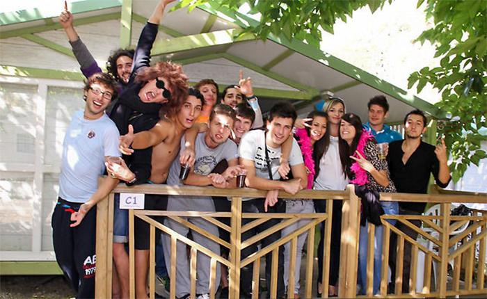 l'équipe du camping familial proche Carcassonne