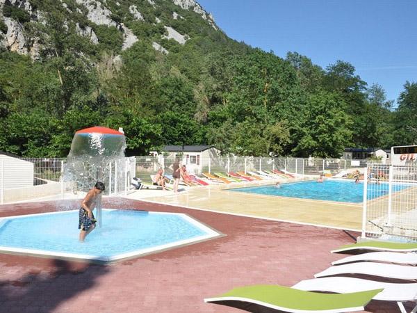 piscine camping 3 étoiles proche Perpignan