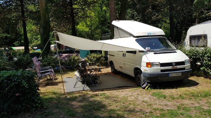 camping 3 étoiles avec emplacements camping-car Aude