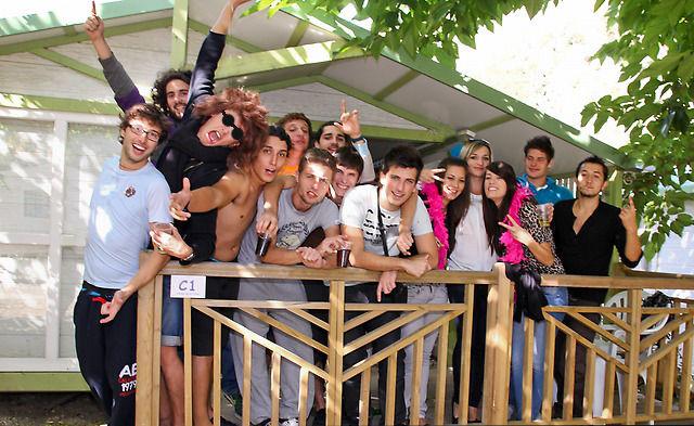 camping accueil groupe dans l'Aude